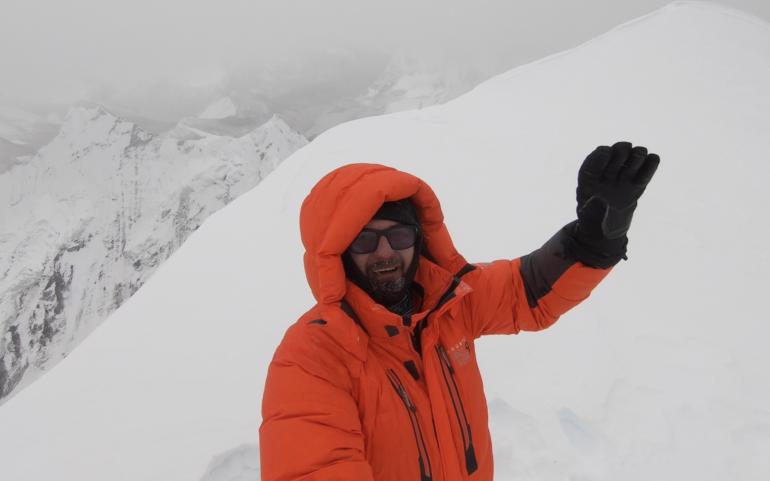 Onoarea de a sta pe Ama Dablam 6.856m | Raport de Expeditie